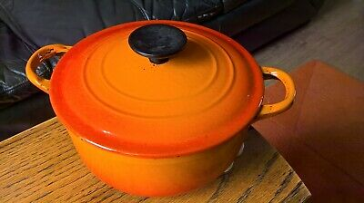 Le Creuset Cast Iron Casserole Dish With Lid Volcanic 20cm.Used. • 16£