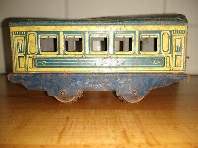 Vintage Tin Toy Railway Carriage Made In England, Approx 1940s • 0.99£