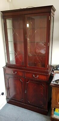 Mahogany Display Cabinet/Cupboard/Dresser • 15£