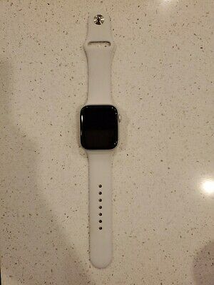 $ CDN264.29 • Buy Apple Watch Series 4 44 Mm Silver Aluminum Case With White Sport Band