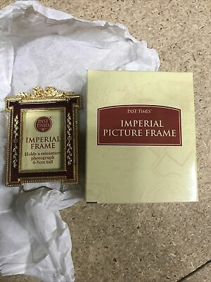 New Unused Red Enamel Imperial Frame Miniature Photograph Past Times 5cm Tall • 8.76£