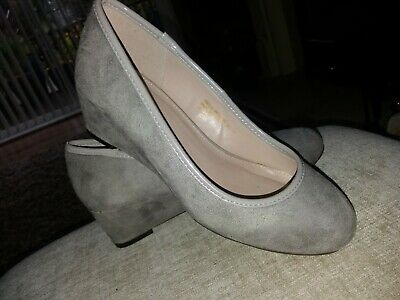 EVANS Grey Faux Suede Low Wedge Shoes BNWOT - Size 4EEE Extra Wide  • 6.95£