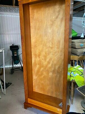 Tall Yew Bookcase • 25£