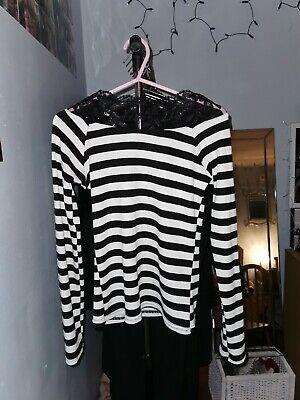Size 8-10 Black And White Striped Top With Lace Detail On Collar  • 6£