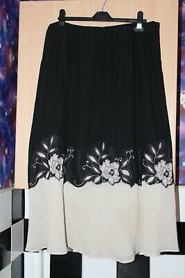 Black And Cream Flower Design Flared Skirt. By Jacques Vert. Size 20 Boho Gypsy • 1.20£