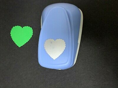 Crisp Large WOODWARE Scalloped Heart Craft Punch Card 47mm Widest Point • 5.99£