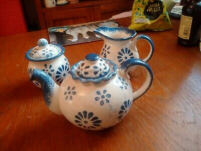 Teapot, Milk Jug And Sugar Bowl With Lid-Pressingoll (?) Pottery - Very Pretty! • 1.50£