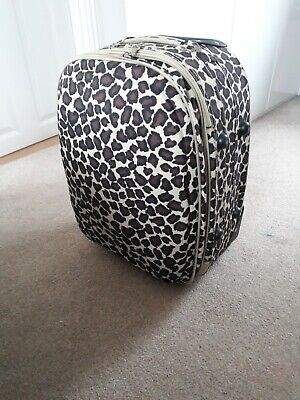 Animal Print Small Suitcase Pick Up Only.. • 3£