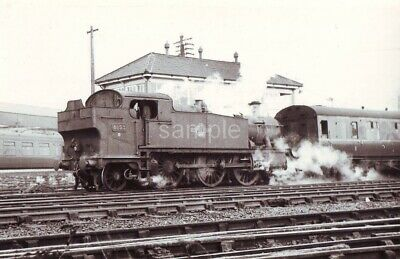 YEOVIL TOWN RAILWAY SHED, SOMERSET. 1961 Loco; 6155 PHOTO 5½  X 3½  • 1.49£