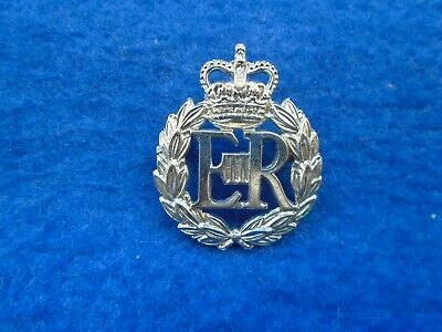 Obsolete British Police Commissioners? White Metal Cap Badge • 6£