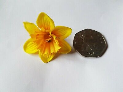 Pin Badge Daffodil - Coin Not Included In Sale! ALL Proceeds To RNLI • 0.50£