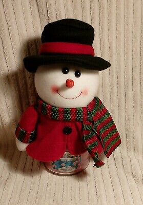 Yankee Candle Medium 'Sweet Pea' Jar Candle With Snowman Novelty Jar Cover  • 15£