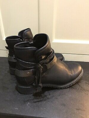 Pavers Black Ladies Ankle Boots Size 5 • 6£