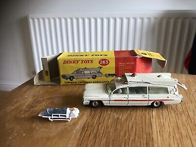DINKY Superior Criterion Ambulance 263 With Orginal Box • 35£