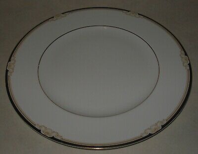 Wedgwood Cavendish 10 3/4  Dinner Plate • 5£