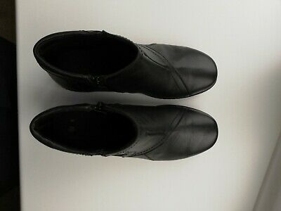 Pavers Ladies Black Boots Size 5 Hardly Worn • 10£