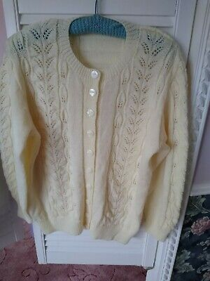 Ladies Hand Knitted Cardigan 44  Chest • 2.60£