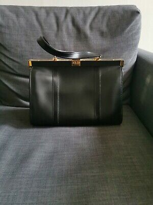 Authentic Vintage Doctor Style Bag • 5£