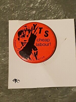 Y.T.S Cheap Labour Pin Badge • 2.99£