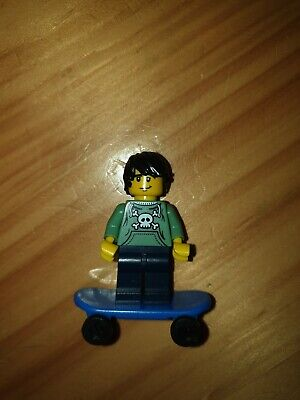 Lego Series 1 Skater Boy Minifigure With Skateboard And Stand  • 9.90£