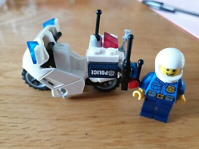 Lego City Police Bike And Police Man • 3£