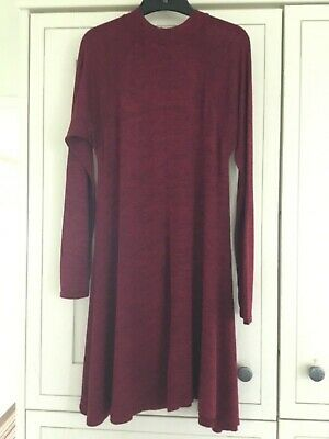 Women's Voulex Vous Dress Burgundy Size Medium (approx Size 12) • 4£