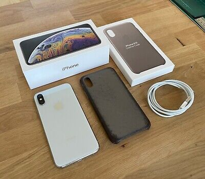 AU305 • Buy Apple IPhone XS 64 GB Silver / Apple Taupe Leather Case / Unlocked A2097 AU