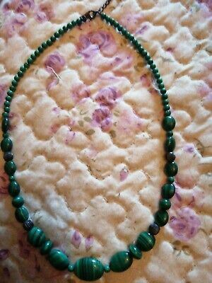 Malachite Necklace Sits Below The Neck • 7£