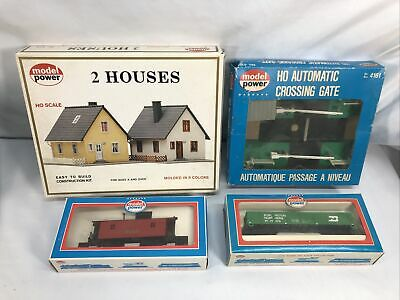 $ CDN25.25 • Buy 4 LOT OF 2 HO SCALE BUILDINGS And 2 Trains  - MODEL POWER