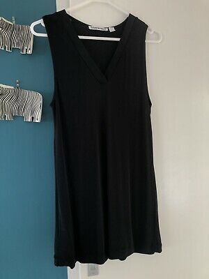 AU10 • Buy Country Road Black Sleeveless V Neck Top. Size M