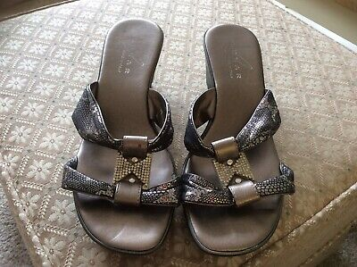 Italian Lunar Pewter Wedge Sandals, Size 5. • 7£
