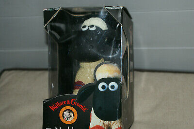 Wallace & Gromit  *  Shaun The Sheep  *  Car Nodder Ornament   *   New & Boxed . • 9£