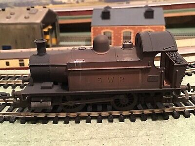 Hornby 00 Gauge - R2451 LSWR WEATHERED. EX GWR LOCO 0-4-0T No 710. • 10.70£