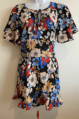 Ladies Brand New Floral Playsuit Size M • 5£