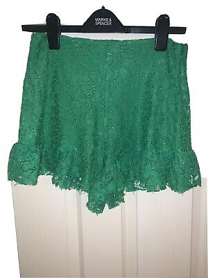 £3.25 • Buy Zara Green Lace Shorts With Frill Detailing Size M