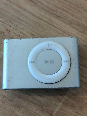 Apple IPod Shuffle Silver A1204 Fully Working With Charger • 2.70£