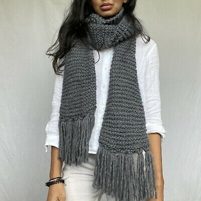 £4.75 • Buy Grey Cable Knit Scarf