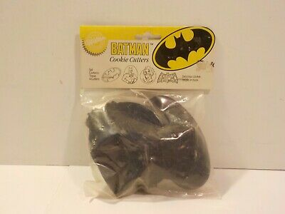 T 1989 Wilton Batman Cookie Cutter Set Of 4 New In Bag NOS • 5.65£