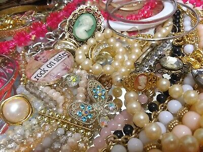 $ CDN50.48 • Buy Vintage To Now Jewelry Necklaces Rings Brooches Bracelets Earrings Lot 1364