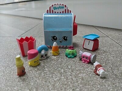 Shopkins Cake Sweet Shop Scales Popcorn Scoop & 7 Collectables • 4£