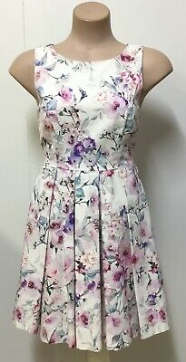 AU18 • Buy FOREVER NEW - Ladies Floral Print Mid Length Dress - 8