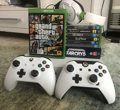 AU420 • Buy Xbox One S 500gb Bundle (2 Controllers + Headset + 8 Games)