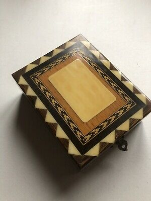 Decorated Small Wooden Inlaid Box • 4.50£