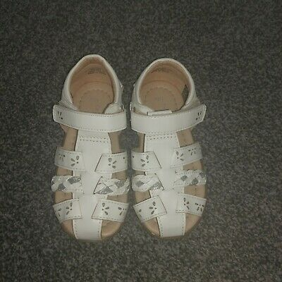 Girls White Sandals Infant Size 7, Worn Once, Excellent Condition • 2£