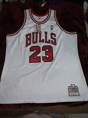 AU2615.60 • Buy Michael Jordan Bulls Signed 1997-98 Mitchell & Ness White Jersey - Upper Deck