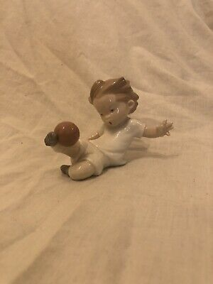 Rare Boy Playing Football Nao Figurine • 30£