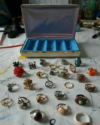 $ CDN27.14 • Buy LARGE LOT VINTAGE COSTUME RINGS Incl. Signed Avon Adjustable 835 & Jewelry Box