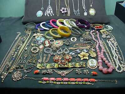 $ CDN126.23 • Buy Large Vintage Jewelry  Lot  Some Signed