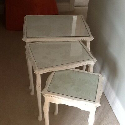 Set Of/Nest Of 3 Tables With Flower Print Under Glass • 65£