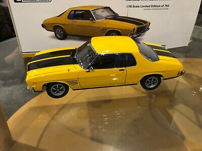 AU389 • Buy 1:18 Classic Carlectables  Holden Hq Gts Monaro Coupe Mustard /black Stripes